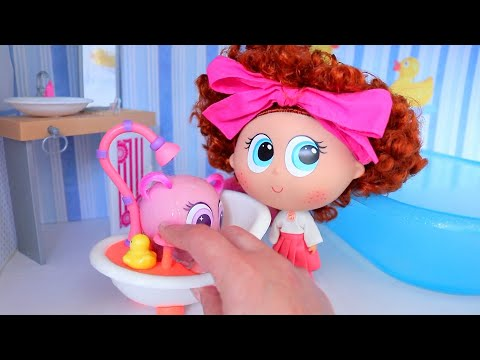 Baby Doll Play With Distroller Toys for Kids - Soap Making and Babies Take a Bath Pretend Play