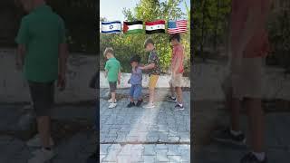 أنا دمي فلسطيني🇵🇸الله يفرجاع بلدي سوريا وفلسطين اهل فلسطين الغوالي حطولي علم بلدكن🇵🇸ثبتو وجودكن