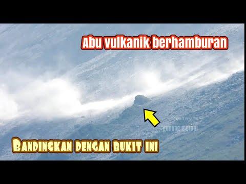 Download Angin kencang di lereng merapi debu volkanik berhamburan
