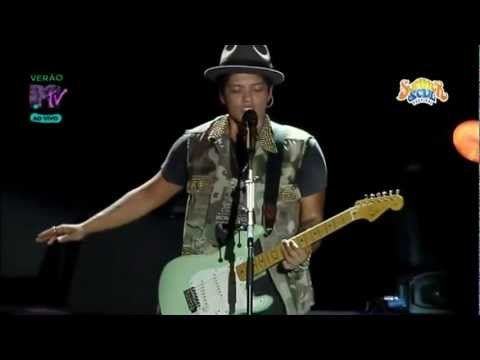 Bruno Mars - Nothin' On You (Summer Soul Festival 2012)
