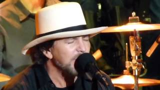Eddie Vedder Chris Cornell HUNGER STRIKE Live Temple of the Dog