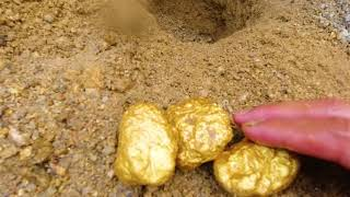 Treasure hunt/metal detector found gold mine in deep mountains