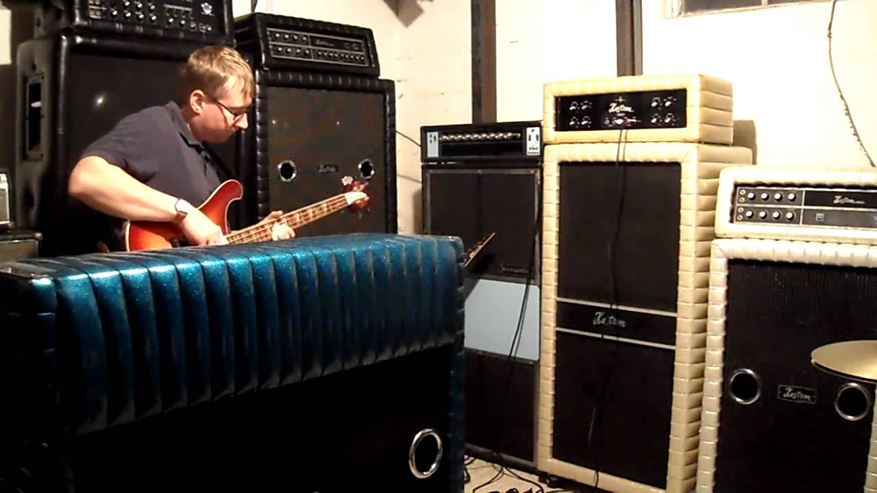 Bass Solo On A Vintage Kustom Amp Youtube