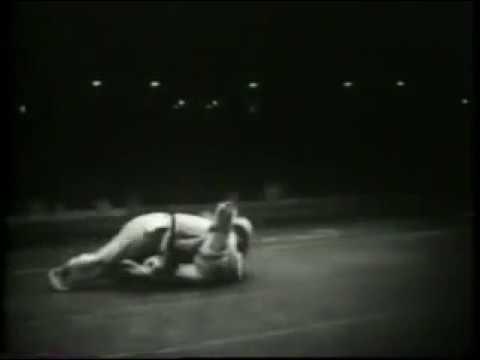 Masahiko Kimura (pre-World War II Kodokan Judo) vs Hélio Gracie (Gracie Jiu-Jitsu) - Brazil, 1951