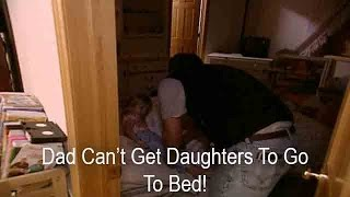 Dad Can't Get Twins To Go To Bed! | Supernanny