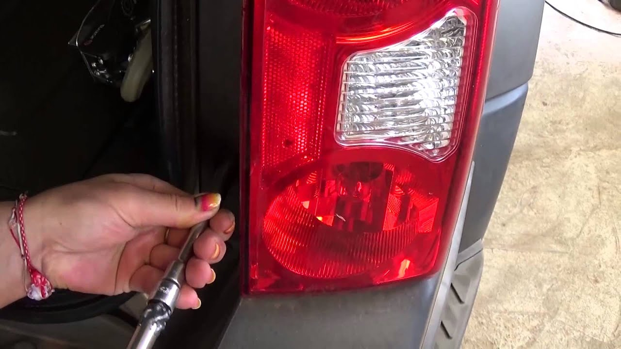 Nissan Xterra N50 Second Generation Tail Light Removal Turn Signal Brake