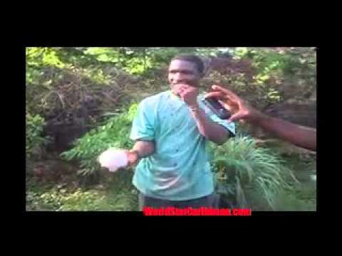 Jamaican Man Peels & Crack Coconut with Teeth