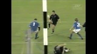 Carlos Spencer skilful knee kick creates try