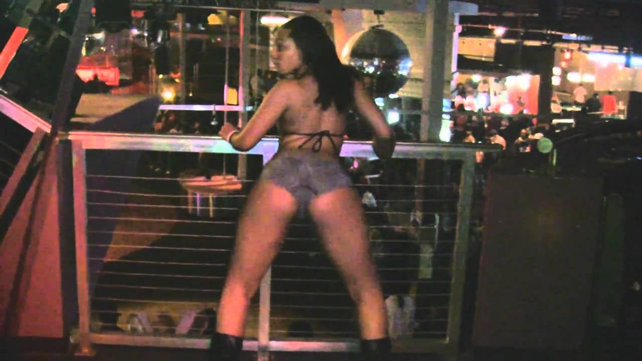 Kkvsh twerking to bankroll by brickboydior gif