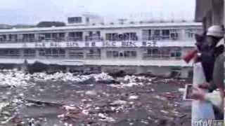如果你發現附近河川水位突然下降,馬上看媒體是否有海嘯警告,以最快速...
