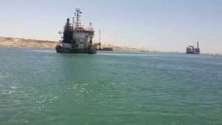 مشهد  من على سطح الماء بقناة السويس الجديدة يوليو2015