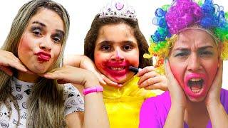 Heloísa e Mamãe em historias engraçadas de maquiagens