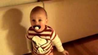 Alex Poikamme ( 1 vuotiaana ) kolmas video :)