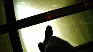 стеклянный пол 457 метра над уровнем неба))) .MTS