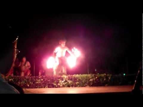 Chief's Luau Fire Dance - Hawaii 2012