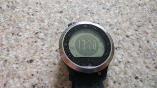 Полный обзор часов с пульсометром F69 (плюсы и минусы). Купаем часы в миске с водой.