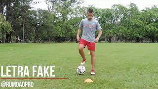 8 DRIBLES FÁCEIS PARA ENTORTAR OS ZAGUEIROS! | Treinos de Futebol | RumoAoPro |