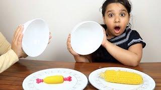 تحدي الاكل الحقيقي ضد العبة  !! real food vs toy challenge