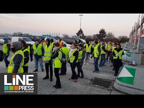 Gilets jaunes une opération de péage gratuit / Buchelay (78) - France 21 novembre 2018