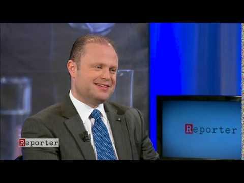 REPORTER - Saviour Balzan jintervista l-Prim Ministru Joseph Muscat 18.05.15
