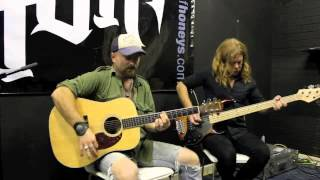 AMH TV - Acoustic Session with The House Of Honeys - The Waiting
