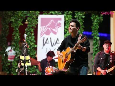 Rendy Pandugo - I Don't Care (Live At Java Jazz Festival 2017)