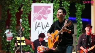 Rendy Pandugo - I Don't Care (Live At Java Jazz Festival 2017)