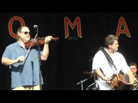 Steve Riley & the Mamou Playboys - Bon Reve (Open Air Stage, WOMAD, 26/07/2013)