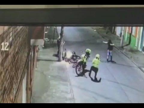 Se salió a la calle en plena cuarentena y cogió a tiros a policías que lo sorprendieron