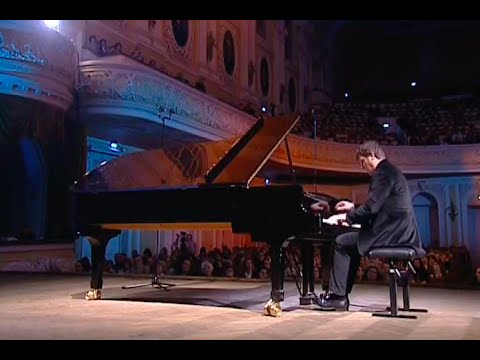 Boris Berezovsky plays Rachmaninoff 13 Preludes, op. 32 - video 2007