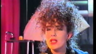 Scarlet Fantastic - Plug Me In (To the Central Love Line)