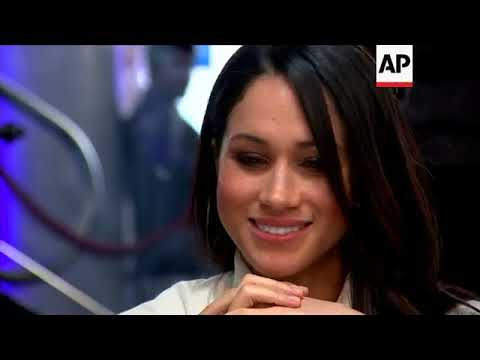 Prince Harry and Meghan Markle try on VR goggles, enjoy ball games in Birmingham