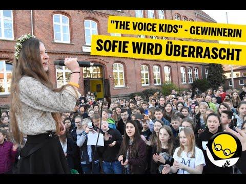 The Voice Kids Gewinnerin - SOFIE WIRD ÜBERRASCHT an ihrer SCHULE in Hameln!