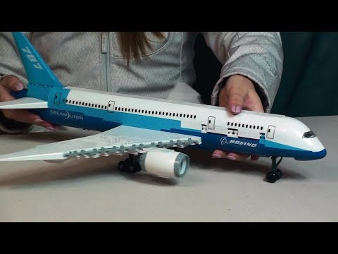 Cobi Boeing 787 Dreamliner LEGO Compatible Brick Set Toy Review