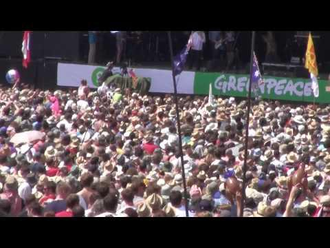 06 - Glastonbury 2010 - Rolf Harris (Two Little Boys).m2ts