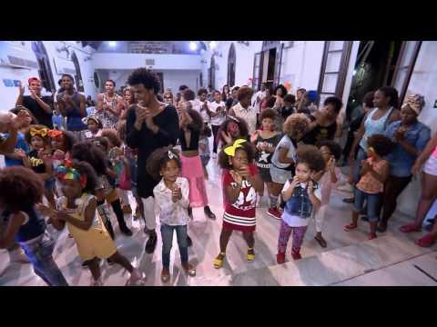 Veja trechos exclusivos do Baile dos Crespinhos, apresentado pelo Domingo Show