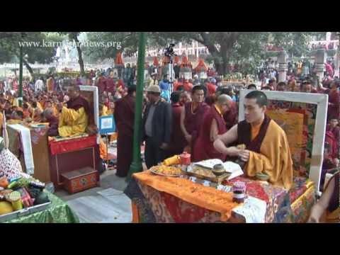 Kagyu Monlam in Bodh Gaya with H.H. the 17th Karmapa and Kunzig Shamarpa. With Greek subtitles!