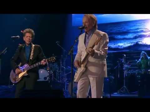 Brian Wilson - Sail Away (feat. Chaplin, Jardine & Fataar) (Live on SoundStage - OFFICIAL)