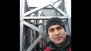 видео Проход трубы через металлочерепицу, монтаж вокруг дымохода: выполняем примыкание