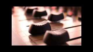 Tuccillo & Kiko Navarro feat. Amor -- LOVERY (SIS REMIX)