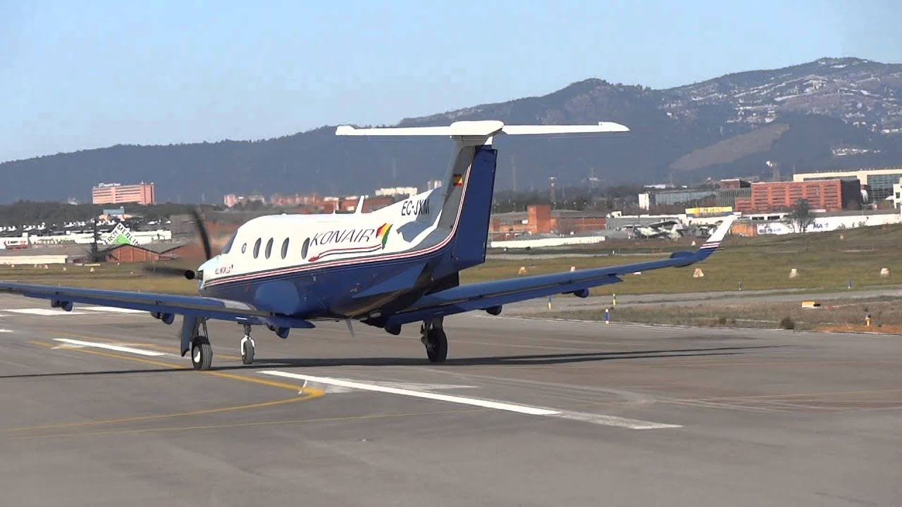 Despegues De Dos Pilatus Pc 12 Del Aeropuerto De Sabadell