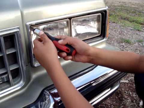 part 1 changing a sealed beam headlight   changing headlight on a old car thumbnail