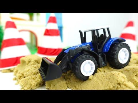 Игры с машинками. Мультик из игрушек. Развивающее видео #МашиныПомощники: если загорелся светофор! 🚦