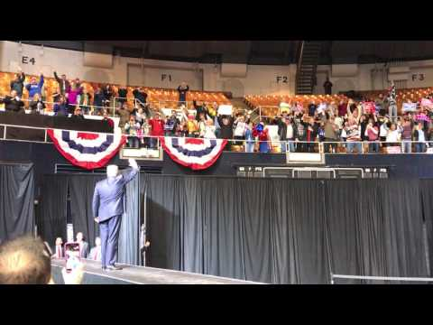 Lee Greenwood Introduces President Trump in Nashville - March 15 2017