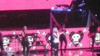 avril lavgine and boys like girls in concert