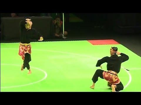 Aksi Pencak Silat Seni Ganda Indonesia (Yolla Primadona - Hendy) raih medali Perak.