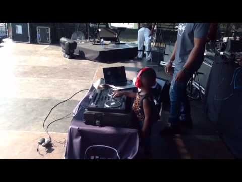 Dj Arch Jnr Performing at the Go West Music Fest 2015 (Djay Pro)