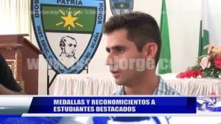 MEDALLAS Y RECONOCIMIENTOS A ESTUDIANTES DESTACADOS