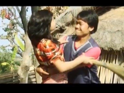 Rumal Khasyoni by Priyajan Rai and Samala Rai