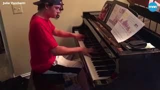 ピザの配達員が配達ついでにピアノの演奏を披露。その名演奏に吃驚仰天する家族(アメリカ)